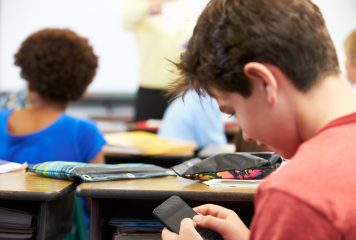 Banning Mobiles in Classrooms: Boon or Bane!